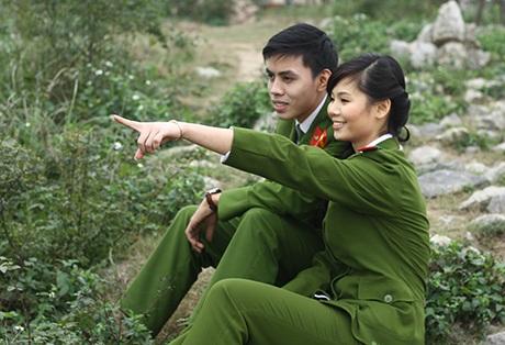 Nguyễn Bích Ngọc - Nguyễn Văn Hiếu tình tứ bên nhau