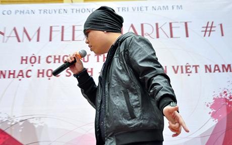 Rapper LK xuất hiện với phong cách ngầu