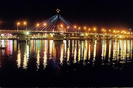 Cầu quay sông Hàn về đêm. Nguồn: Internet