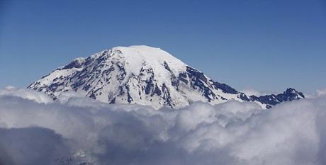 Đỉnh Rainier (Washington, Mỹ) là một trong những điểm du lịch được bạn trẻ yêu thích chinh phục.