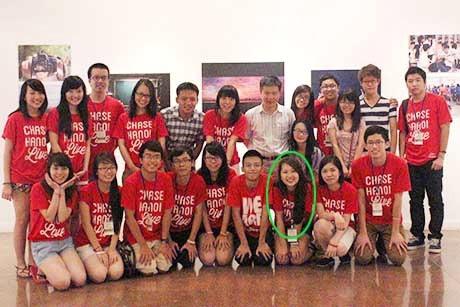 Nữ sinh Việt và các bạn cùng lớp, cô giáo tại Mỹ