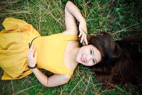 Nữ sinh Huế mộng mơ thả hồn cùng bóng bay