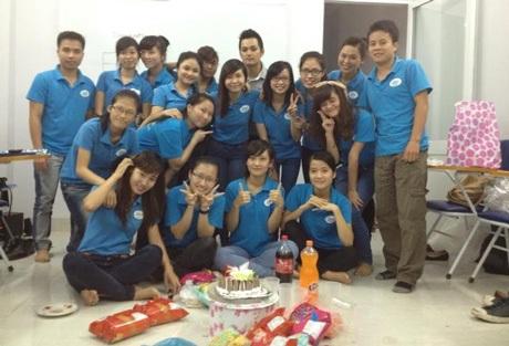 Thầy Huy Lê và các học viên Việt Nam