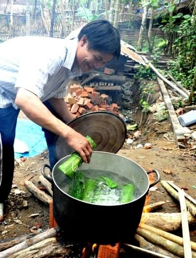Lần đầu tiên Lang nấu bánh tét.