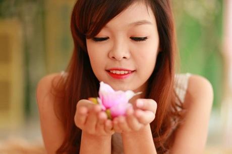 Những cô gái xinh đẹp chia sẻ cảm xúc ngày 30 Tết