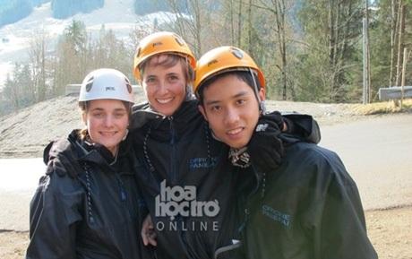 Minh và những người bạn tại trung tâm huấn luyện