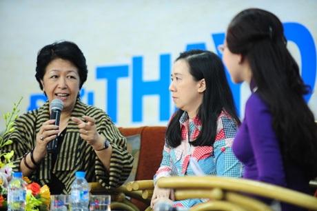 Cô Tôn Nữ Thị Ninh khuyên các bạn trẻ nên dành thời gian để khám phá tri thức từ sách