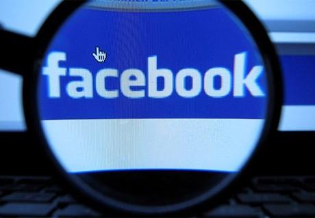 Tung tin câu like trên Facebook có thể phạm tội