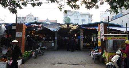 Chợ Cửa Đình đã tồn tại ở làng Sài Đồng từ hơn 20 năm qua