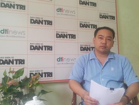 Ông Mạc Văn Hùng trình bày vụ việc tại tòa soạn báo Dân trí