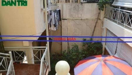 Tường ngăn nhà 38 và 36 Hàng Giầy bị Công ty CP Du lịch dịch vụ Hoàn Kiếm phá bỏ