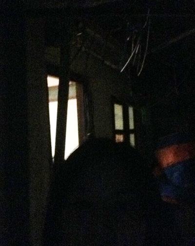 Bị UBND phường cắt điện, công trình vi phạm vẫn sáng đèn