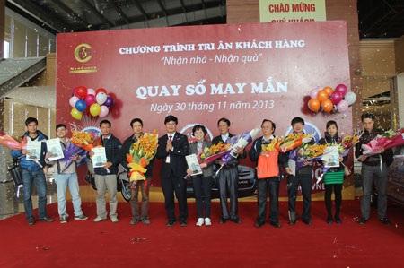 20 khách hàng nhận giải Ba từ chủ dầu tư Tập đoàn Nam Cường
