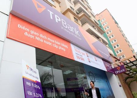 Tiên Phong Bank ra mắt nhận diện thương hiệu mới và đón nhận bằng khen của Thủ tướng Chính phủ