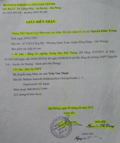 Trung tâm ngoại ngữ Blueway xác nhận việc đã cầm Bằng và Học bạ gốc của anh Trung