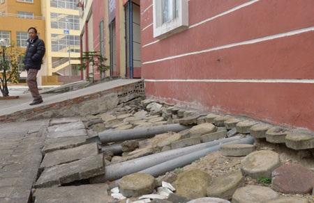 Nhìn những hình ảnh này ai còn muốn bàn giao đất để vào ở trong khu tái định cư?