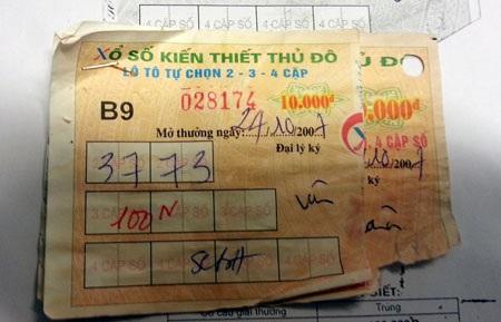 Ông Ninh cho rằngvé số lô tô của Công ty XSKT Thủ đô phát hành (màu hồng) có