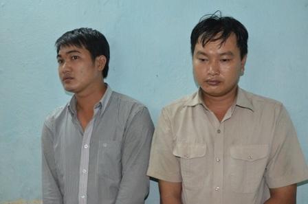 Trần Văn Tú và Nguyễn Hoàng Mến tại cơ quan công an