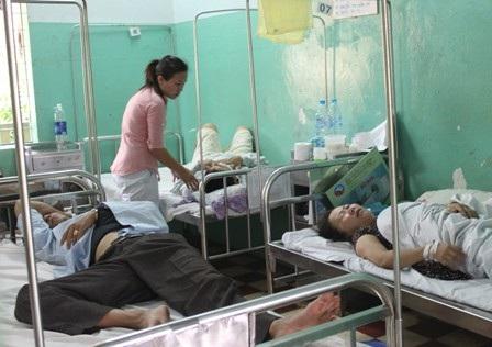 Các nạn nhân được cấp cứu tại Bệnh viện thị xã Long Khánh