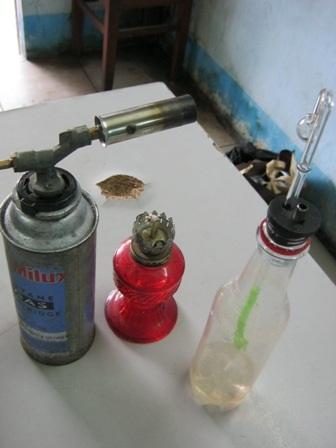Bộ dụng cụ chơi ma túy đá của băng nhóm cướp giật