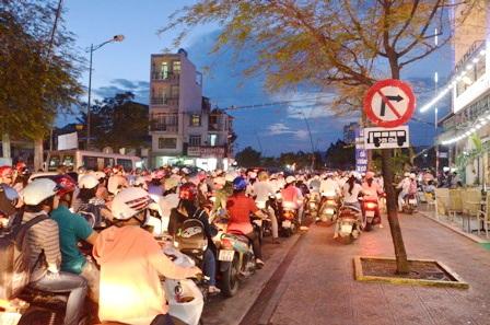 Đường Trương Định