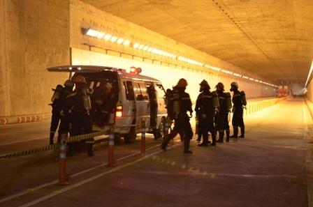 Đội cứu hộ cứu nạn của TP cũng có mặt để ứng cứu