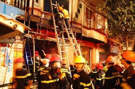 Hiện trường vụ cháy khiến 5 người chết