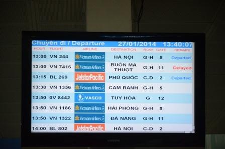 Nhiều chuyến bay bị hoãn