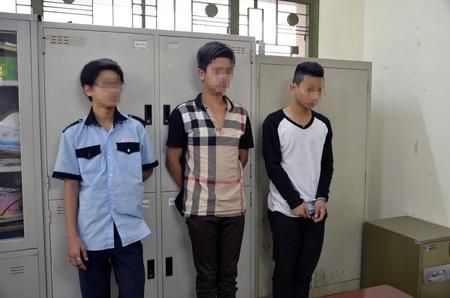 3 học sinh tham gia cưỡng đoạt tiền của bạn tại cơ quan công an