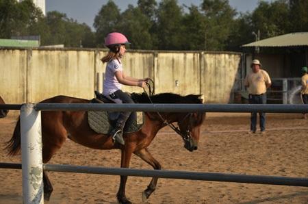 ....Và các em đã tự điều khiển được chú ngựa của mình