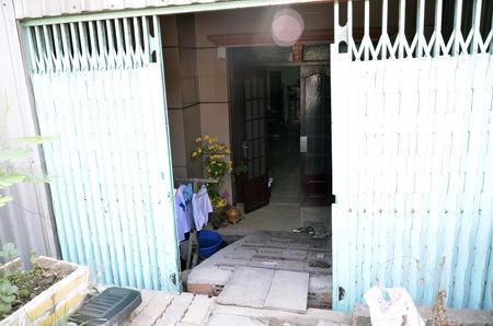 Hàng loạt ngôi nhà bị biến thành hang ở Sài Gòn