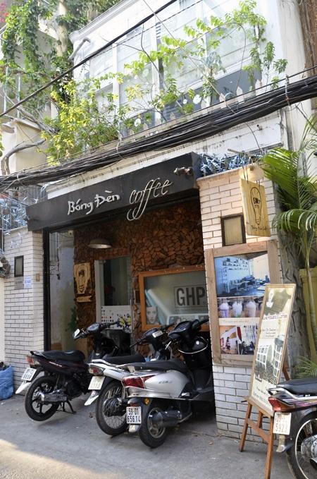 Quán cà phê Bóng Đèn nơi xảy ra vụ tạt axit