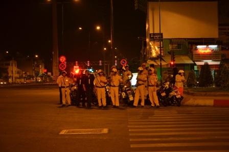 Lực lượng CSGT TPHCM ra quân trấn áp đua xe trái phép trên đường Phạm Văn Đồng