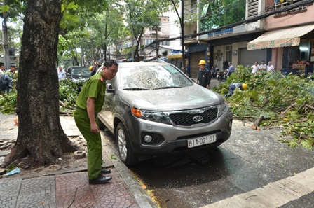 Công an phường ĐaKao có mặt để ghi nhận vụ việc