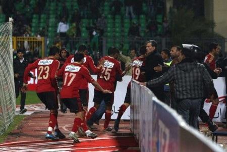 Các cầu thủ sốc nặng sau thảm họa sân cỏ ở Ai Cập - 6