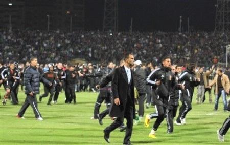 Các cầu thủ sốc nặng sau thảm họa sân cỏ ở Ai Cập - 4