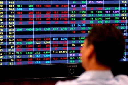 Thị trường chứng khoán đang đón nhiều tin bất lợi (Ảnh: Internet)