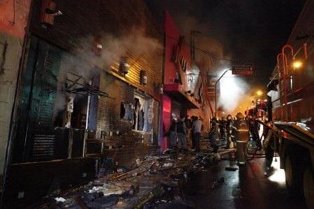 Vụ hỏa hoạn tại hộp đêm Kiss club đã khiến 231 người thiệt mạng