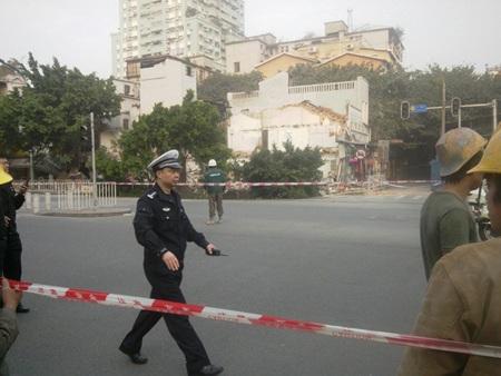 Cảnh sát phong tỏa hiện trường