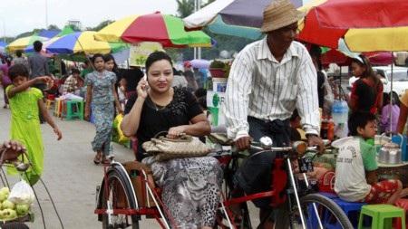 Điện thoại di động vẫn là đồ xa xỉ tại Myanmar