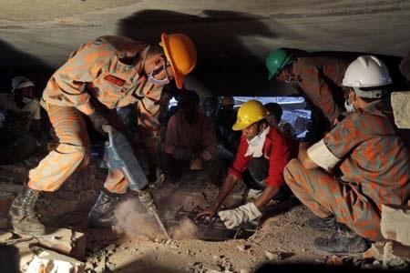 Công tác cứu hộ vẫn diễn ra khẩn trương