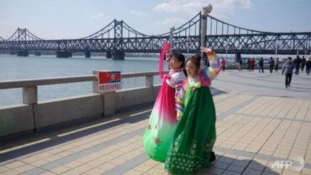 Cây cầu nối liền Sinuiju với thành phố Dandong của Trung Quốc