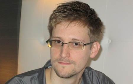 Tung tích của Snowden vẫn là một bí ẩn