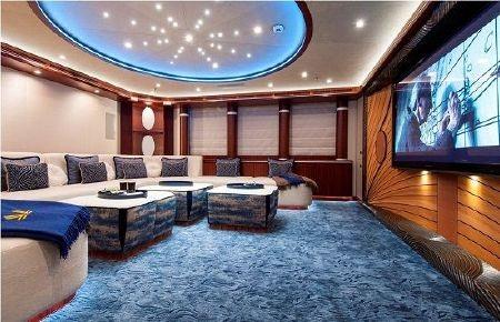 Phòng xem phim với nội thất rất cao cấp