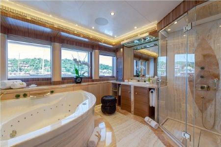 Phòng tắm với thiết kế hiện đại