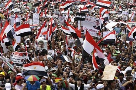 Người ủng hộ ông Morsi tuần hành tại Cairo