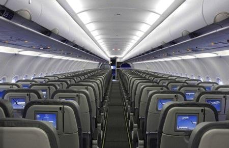 Bình thường, mỗi chiếc A319 đủ chỗ cho 124 người