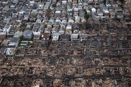 Một khu vực của thành phố New York tan hoang sau bão Sandy