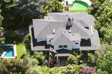 Căn nhà 5 phòng ngủ của tỷ phú Zuckerberg nhìn từ trên cao