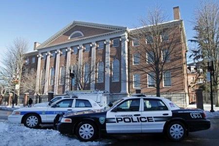 Cảnh sát đã lục soát 4 tòa nhà tại đại học Harvard nhưng không thấy thiết bị nổ